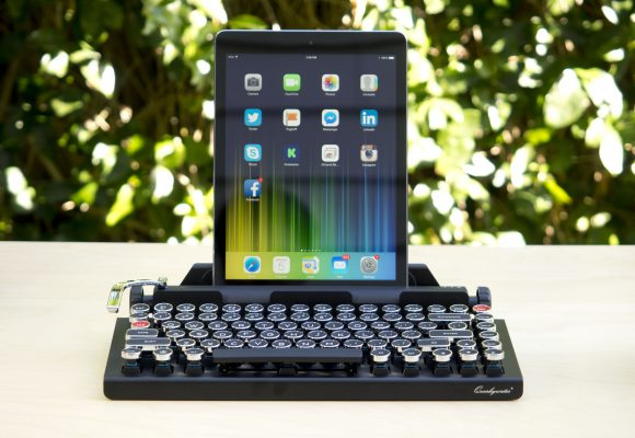 Vintage typewriter keyboard for your tablet or computer
