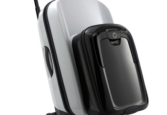 Easier travel with interlocking bags
